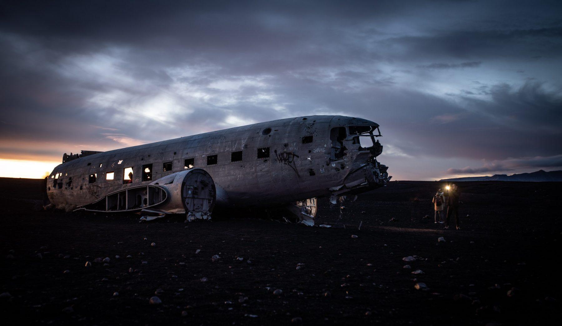 Iceland-DC3_01_01-1-von-1-1800x1045.jpg
